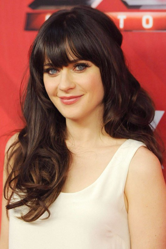 54ab2107855a8_-_elle-25-best-celebrity-bangs-zooey-deschanel-xln-xln